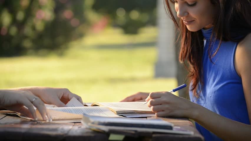 نوشتن مقدمه مقاله و وظیفه بخش مقدمه در مقالات تحقیقی چیست