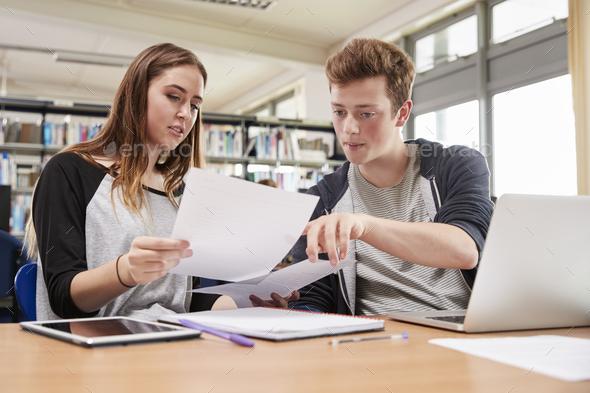 انجام پایان نامه حقوق و چه نکاتی را باید دانشجویان رعایت کنند ؟